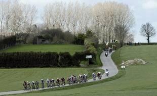 Les coureurs sur Gand-Wevelgem, le 27 mars 2016.