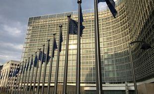 Législation sur l'IA: l'Europe laisse une porte ouverte pour la surveillance de sa population