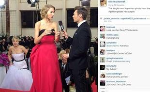 Jennifer Lawrence surprend Taylor Swift en pleine interview aux Golden Globes, le 12 janvier 2014.