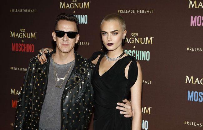 Cara Delevingne et Jeremy Scott à la soirée Magnum x Moschino à Cannes, le 18 mai 2017. WENN.com