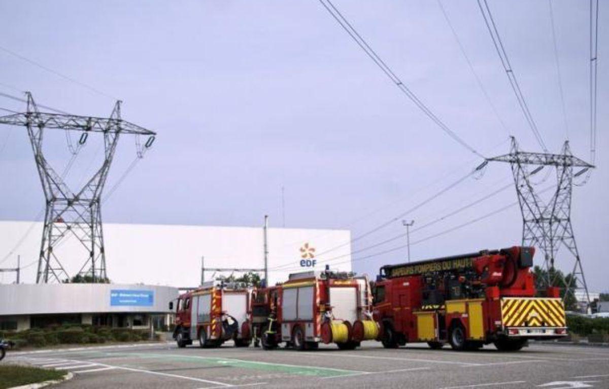 Un dégagement de vapeur a fait deux blessés très légers mercredi dans la centrale nucléaire de Fessenheim (Haut-Rhin), mais le gouvernement comme EDF ont minimisé la portée de cet incident dans la doyenne des centrales françaises, qui a toutefois suscité de nombreuses réactions. – Sebastien Bozon afp.com