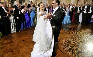 La princesse Victoria de Suède s'est mariée le 19 juin 2010 avec son ancien professeur de gymnastique, Daniel Westling.
