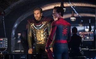 Jake Gyllenhaal (à g. ) et Tom Holland dans «Spider-Man, Far From Home» (2019).
