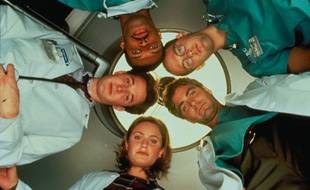 Noah Wyle, Eriq La Salle, Anthony Edwards, George Clooney et Sherry Stringfield.