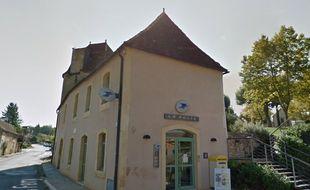 Dordogne: les gendarmes accueillent dans les bureaux de la poste!