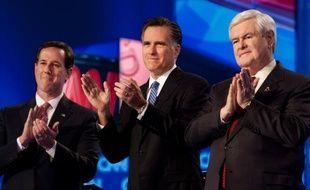 """Le conservateur Newt Gingrich s'est vivement défendu jeudi soir d'avoir proposé à son ex-femme de former """"un couple libre"""", au cours d'un débat télévisé marqué par des échanges agressifs entre les candidats républicains, deux jours avant la primaire-clé de Caroline du Sud."""