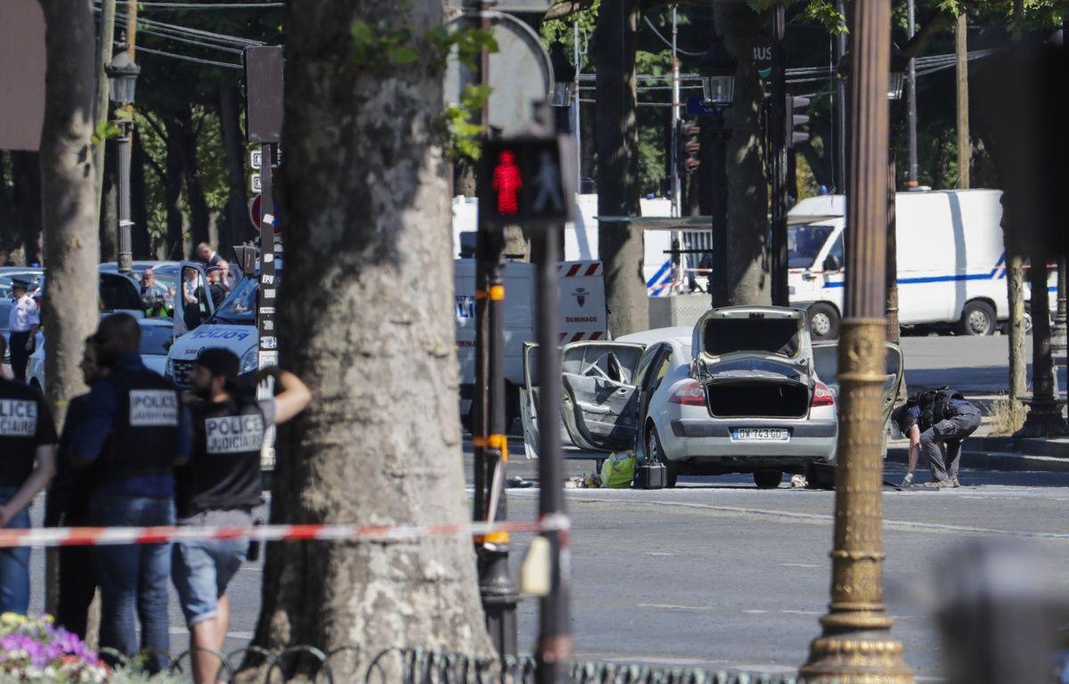 Une voiture a foncé sur un véhicule de gendarmerie ce lundi 19 juin – http://www.20minutes.fr/dossier/champs-elysees