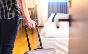 L'hôtel est responsable de plein droit en cas de vol commis dans son enceinte.
