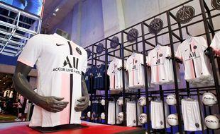 Le nouveau maillot extérieur du PSG.