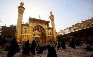 Centre névralgique du tourisme religieux en Irak, la ville sainte chiite de Najaf est une des victimes collatérales de la chute effrénée de la monnaie iranienne qui ne permet plus aux pèlerins iraniens de s'offrir un séjour dans les terres de l'imam Ali.