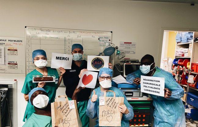 Le personnel de l'hôpital Lariboisière, remerciant Ecotable.