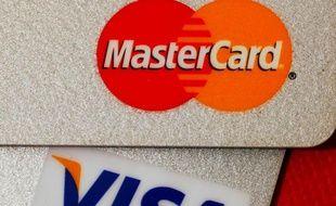 Des Cartes Bancaires Visa Et Mastercard