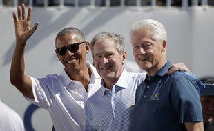 Les anciens président américains Barack Obama, George Bush et Bill Clinton en 2017.