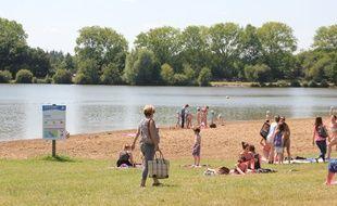 Les étangs d'Apigné sont très fréquentés quand le soleil est au rendez-vous