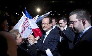 """Henri Guaino, conseiller spécial de Nicolas Sarkozy, a jugé lundi sur France Inter que le candidat socialiste à l'Elysée François Hollande avait prononcé la veille au Bourget un """"discours à l'ancienne, manichéen""""."""