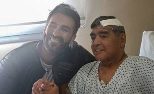 Leopoldo Luque et Maradona après l'opération de la star argentine le 11 novembre 2020.