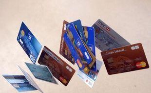La fraude à la carte bancaire est en constant recul dans l'espace unique de paiement en euro (SEPA) grâce aux améliorations de la sécurité des cartes, selon un rapport de la Banque centrale européenne (BCE) publié mardi.