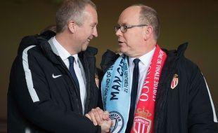 Vladim Vasilyev (à gauche) et le Prince Albert II de Monaco le 16 mars, lors du match retour contre Manchester City.