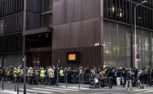 prefecture de lyon carte de sejour Lyon: Il s'attaque aux files d'attente devant la préfecture
