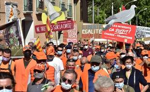 Des manifestants en faveur de la chasse, samedi 12 septembre à Prades.