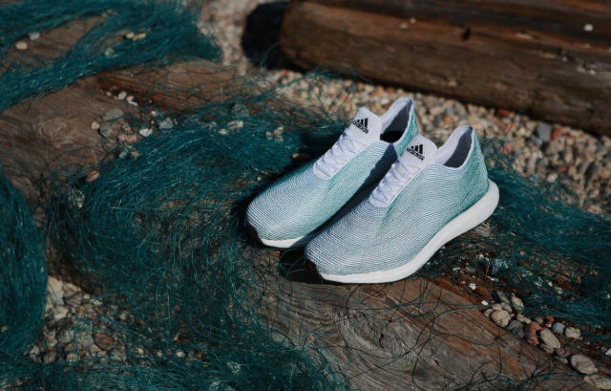 Adidas a présenté le 30 juin 2015 un concept de chaussures fabriqué à partir de déchets plastiques issus des océans – Capture d'écran - http://www.fastcoexist.com/