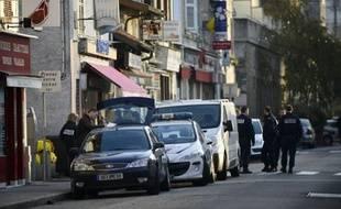 Le compagnon tunisien de la mère de famille tuée à Vienne (Isère) avec ses deux petites filles de 5 ans et 3 mois fait l'objet d'un mandat d'arrêt international, et a été localisé pour la dernière fois en Italie, a annoncé le parquet vendredi.