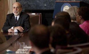 """Le président de la Banque centrale américaine (Fed), Ben Bernanke, a estimé mardi qu'une union budgétaire permettrait à la zone euro de s'attaquer à """"beaucoup de ses problèmes"""", tout en reconnaissant que le processus pour y parvenir était """"très complexe""""."""