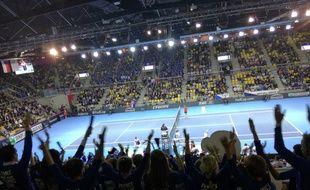 Petit clapping tranquillou ! Les fans français se sont pris pour des Islandais en tribunes de l'Euro de foot.