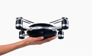 Le drone Lily sera commercialisé en février 2016.