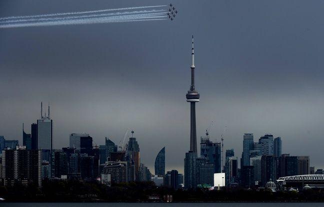 Canada: Un avion de la patrouille acrobatique s'écrase, faisant un mort