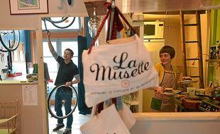 A La Musette, Yvan est à l'atelier et Eszter derrière les fourneaux