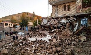 Un séisme a frappé une zone montagneuse du nord-ouest de l'Iran, le 8 novembre 2019, faisant cinq morts et plus de 300 blessées et causant la destruction de plusieurs dizaines d'habitations.