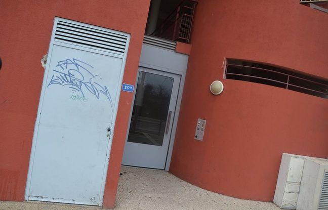 L'immeuble où a eu lieu une partie de l'opération antiterroriste, à Montpellier (Hérault).