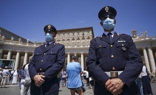 Des officiers de police au Vatican. (Illustration)
