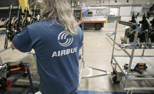 Sur la chaîne de production des Airbus A380 dans l'usine Jean-Luc Lagardère, à Blagnac.