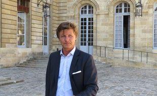 Nicolas Florian devant l'hôtel de ville le 22 septembre 2014
