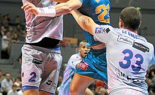 L'ailier gauche a déjà inscrit 1 172 buts en D1 de handball.