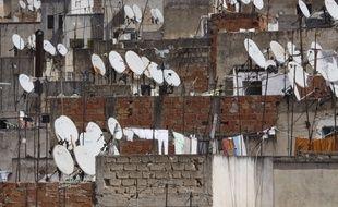 Les autorités iraniennes ont détruit 100.000 antennes paraboliques et autre matériel de réception de la télévision par satellite durant le mois de juillet 2016.
