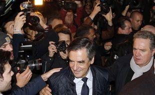 François Fillon, candidat à la primaire de droite en vue des élections présidentielles 2017 arrive à son QG de campagne le 20 novembre 2016