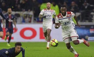 Quand Moussa Dembélé suit un ballon du regard, il ne fait pas semblant. ROMAIN LAFABREGUE