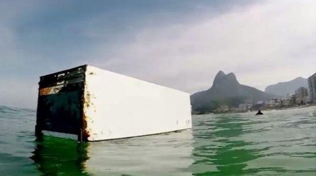 Video pollution des oc ans un surfeur de rio vite une - Mon frigo fait de l eau ...