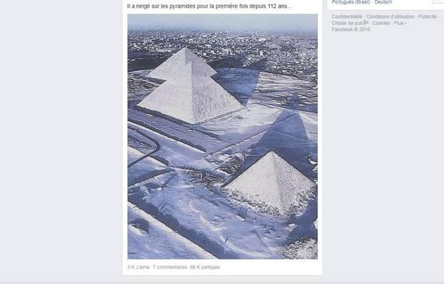 Cette photographie aérienne des pyramides d'Egypte a été retouchée.
