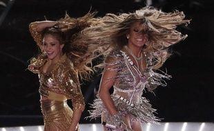 Shakira et Jenifer Lopez à la mi-temps du Superbowl 2020.