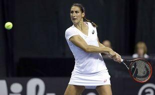 Virginie Razzano lors d'un match de Fed Cup le 20 avril 2014.