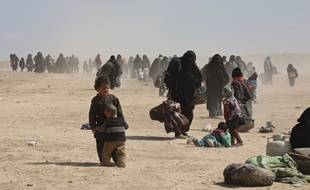 Les bombardements incessants poussent civils et combattants à se rendre.
