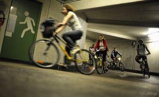 Le Vélotour passe par les parkings souterrains, comme ici à Dijon.