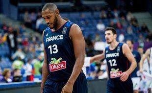 Boris Diaw et Nando De Colo, les deux capitaines de l'équipe de France de basket, n'en mènent pas large avant les 8e de finale de l'Euro.