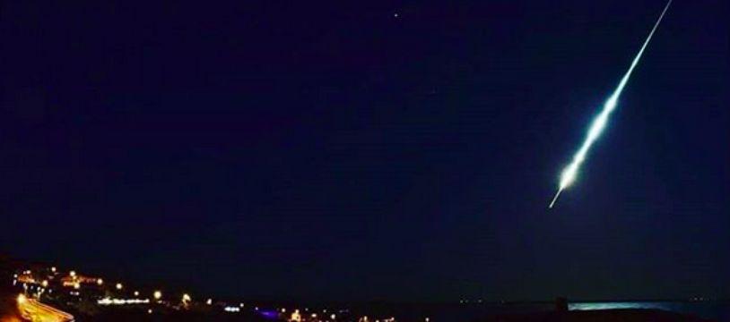 La météorite qui a traversé le ciel méditerranéen vendredi.
