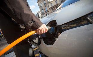 Une borne de recharge pour véhicule électrique (illustration).