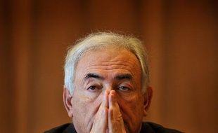 Le Directeur du Fond Monétaire International (FMI) Dominique Strauss-Kahn en réunion à Genève, le 23 mars 2009.